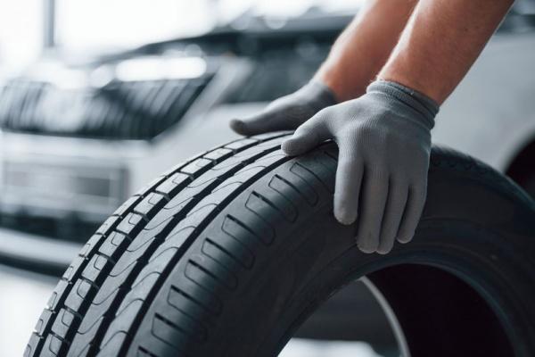 sustituir los neumáticos de tu coche